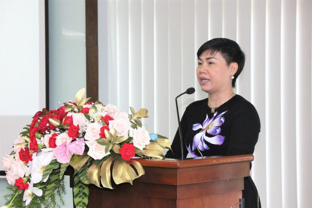 Bà Đỗ Thị Thu Hằng – Chủ tịch HĐQT Sonadezi phát biểu tại buổi họp